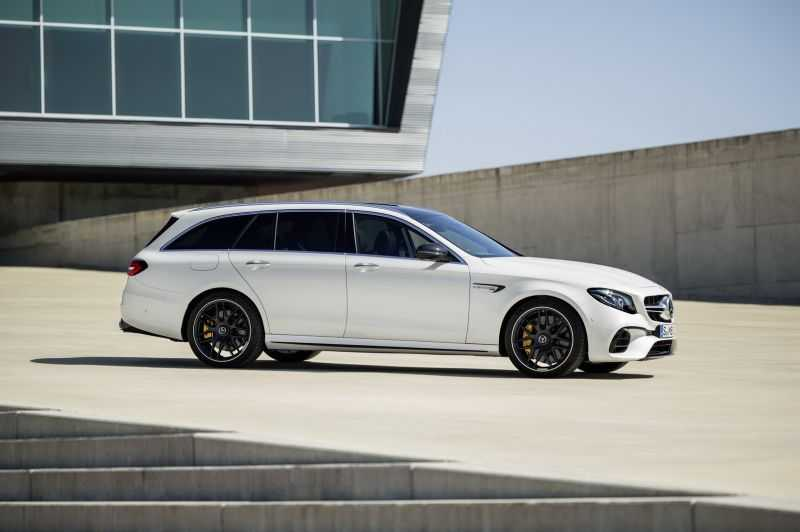 Mercedes-AMG E63 S Wagon 2017 manh 604 ma luc ra mat hinh anh 1