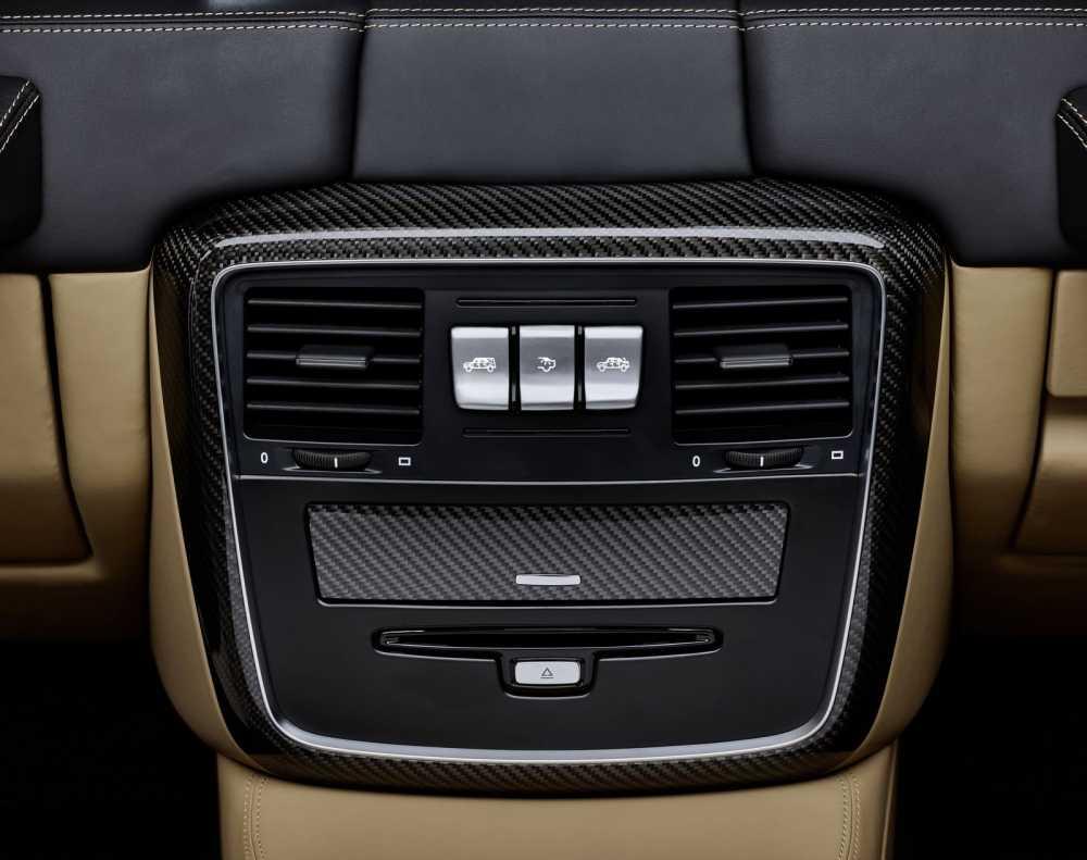 Lo dien sieu xe Mercedes-Maybach G650 Landaulet sang trong hinh anh 6