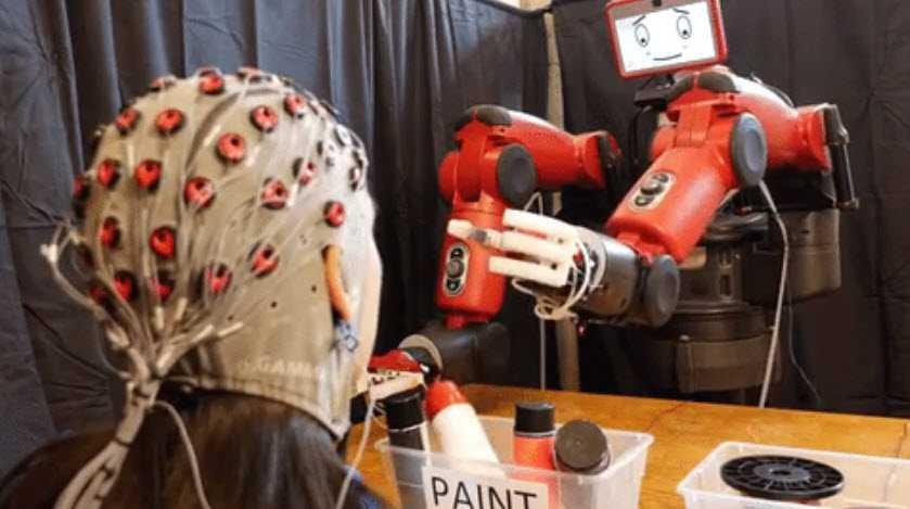 'Choang' voi robot co the dieu khien bang suy nghi hinh anh 1
