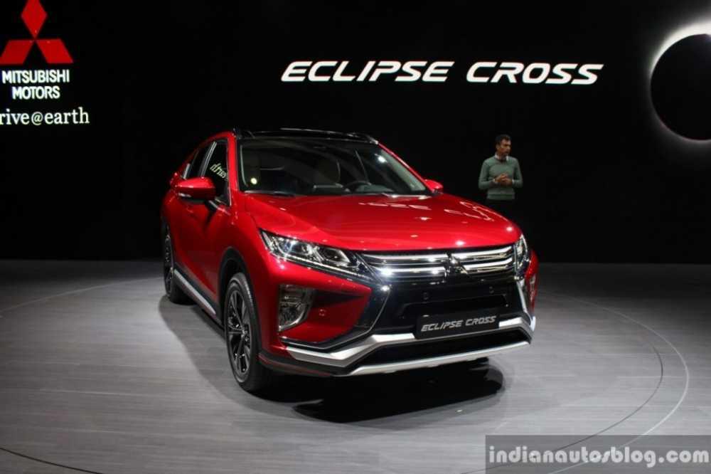 Eclipse Cross trinh lang, 'thach thuc' Mazda CX-3 va Toyota CH-R hinh anh 1