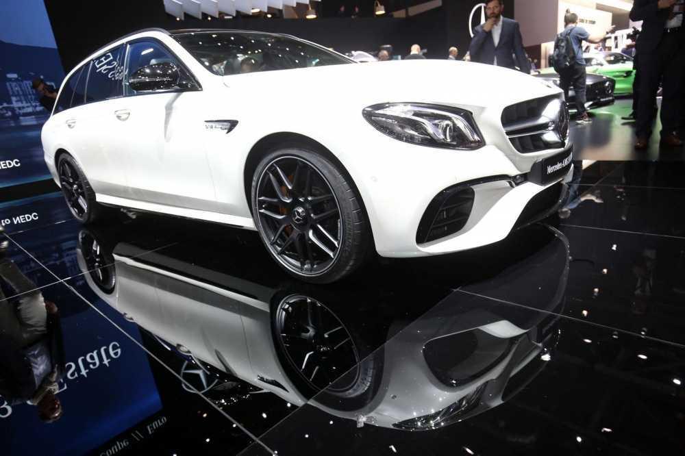 Lo dien Mercedes-AMG E63 Estate 2018 hoan toan moi hinh anh 1