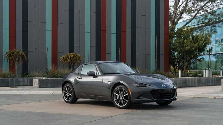 Can canh Mazda MX-5 Miata RF 2017 day chat the thao hinh anh 2
