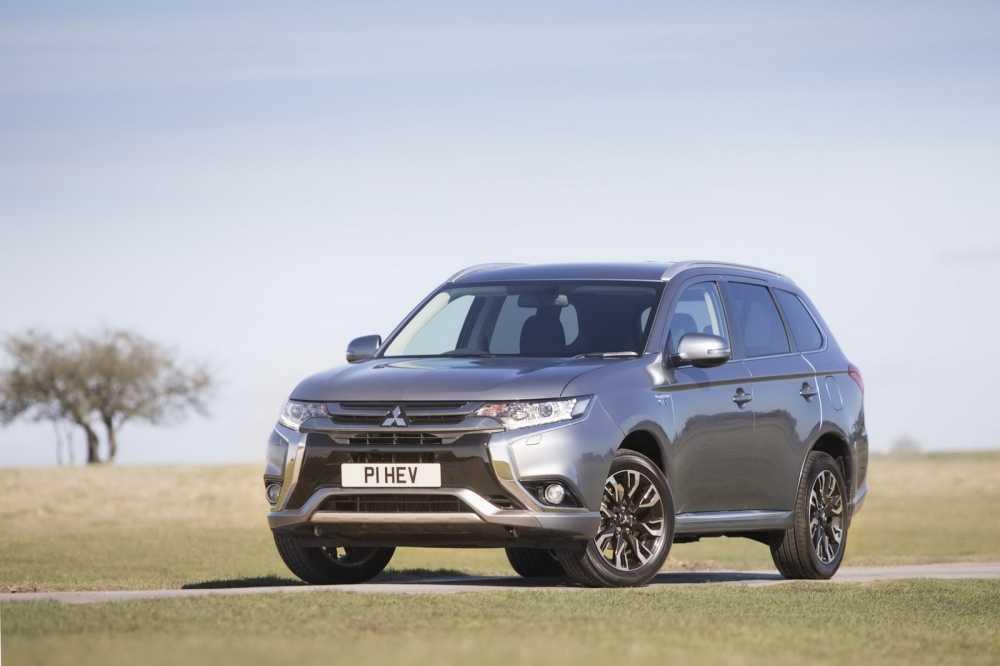 Mitsubishi Outlander PHEV Juro ban nang cap day an tuong hinh anh 1
