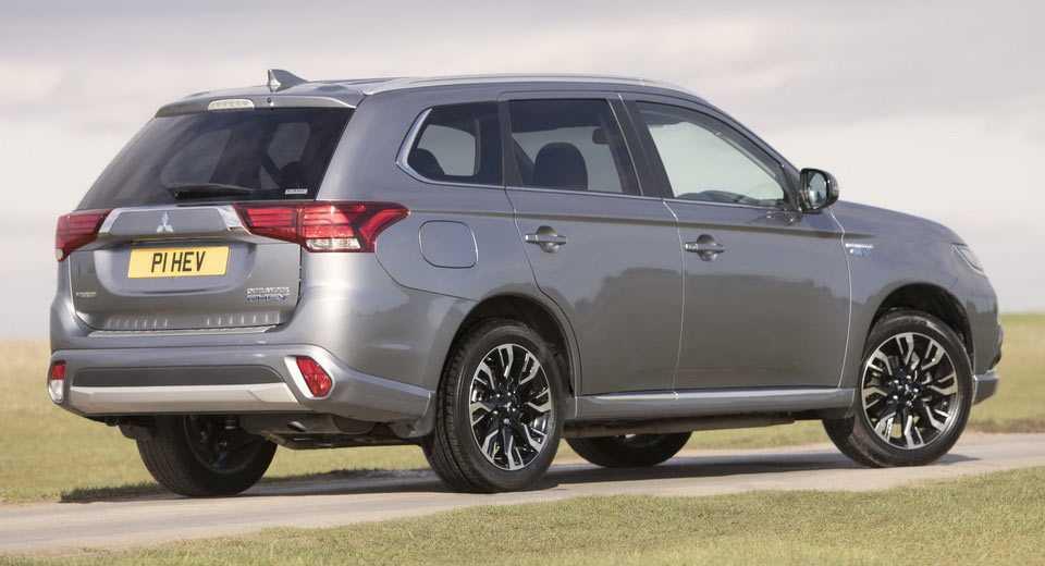 Mitsubishi Outlander PHEV Juro ban nang cap day an tuong hinh anh 2