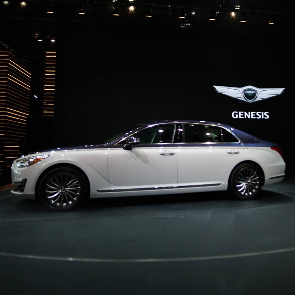 Can canh sieu xe Genesis G90 Special Ediiton 2 tong mau doc dao hinh anh 2