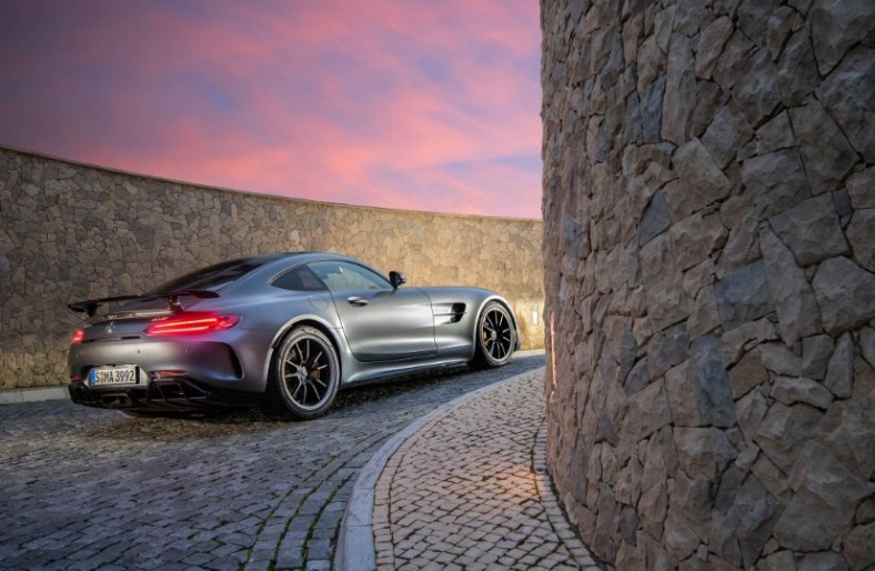 Chiem nguong Mercedes-AMG GT R moi, gia 3,57 ty dong hinh anh 5
