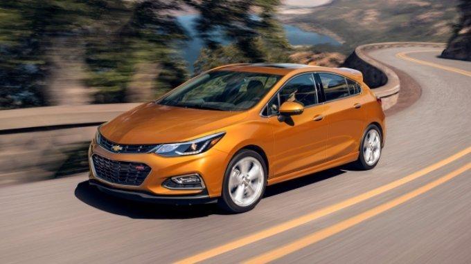 Chevrolet Cruze Hatchback 2018 phien ban diesel, gia chi tu 553 trieu dong hinh anh 4