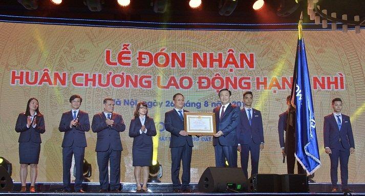 Eurowindow don nhan Huan chuong Lao dong hang Nhi hinh anh 2