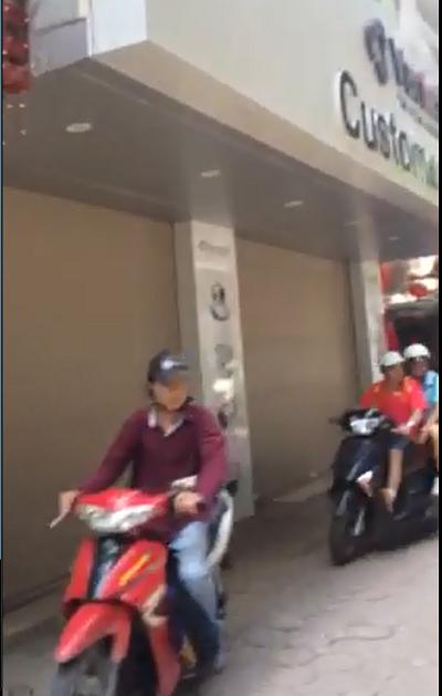 Du an duong sat tren cao Cat Linh - Ha Dong: Vua xay dung chay nhu mua trung nguoi di duong hinh anh 1