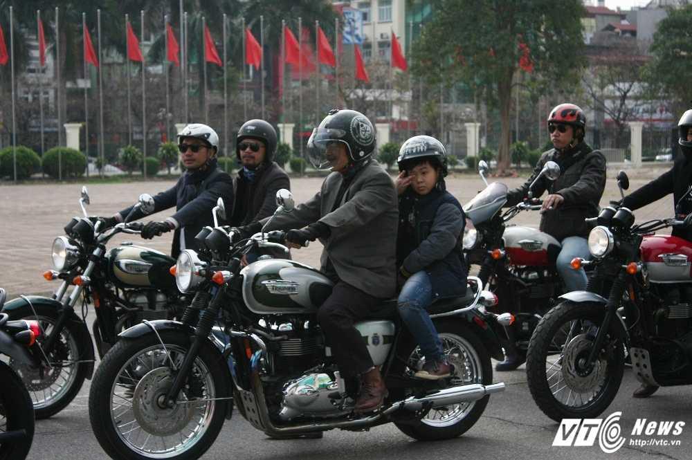 MC Anh Tuan cung 160 moto dieu hanh tuong nho nhac si Tran Lap hinh anh 5