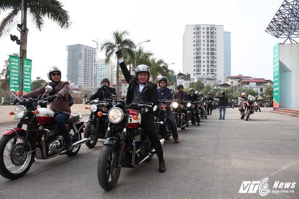 MC Anh Tuan cung 160 moto dieu hanh tuong nho nhac si Tran Lap hinh anh 2