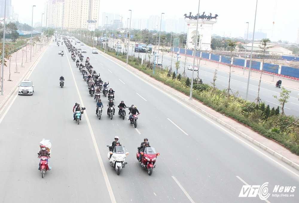 MC Anh Tuan cung 160 moto dieu hanh tuong nho nhac si Tran Lap hinh anh 8