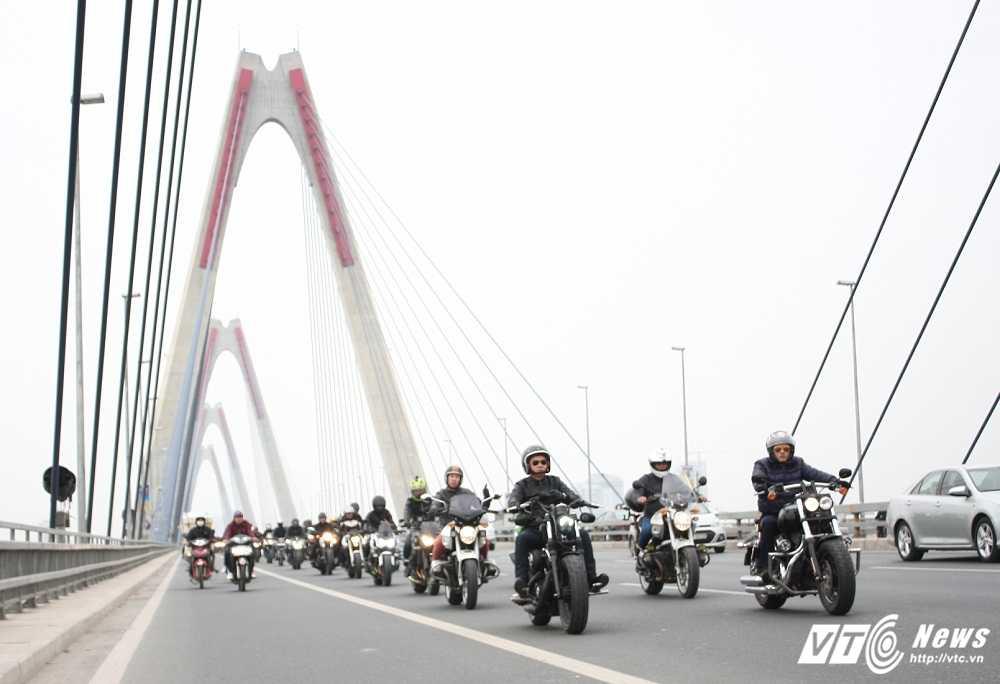 MC Anh Tuan cung 160 moto dieu hanh tuong nho nhac si Tran Lap hinh anh 9