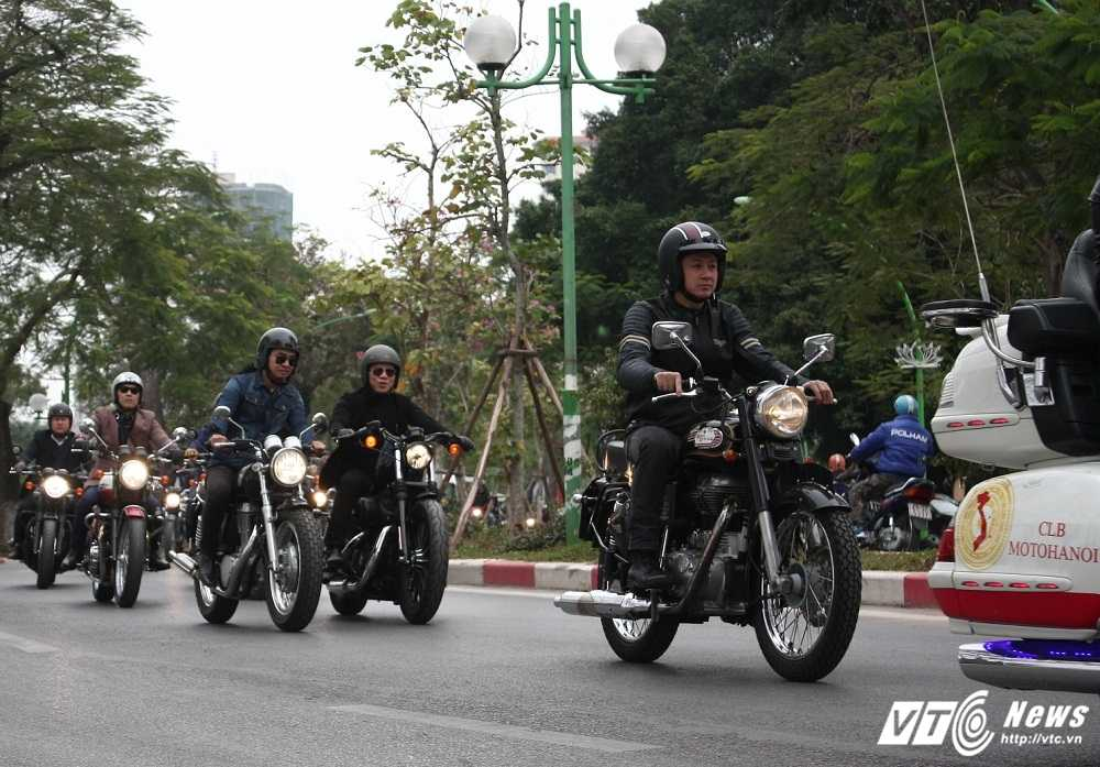 MC Anh Tuan cung 160 moto dieu hanh tuong nho nhac si Tran Lap hinh anh 11
