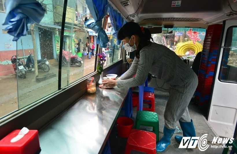 Xuat hien hang pho bo doc dao tren xe o to o Ha Noi hinh anh 4