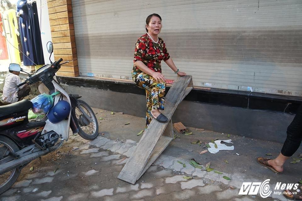 Ha Noi dep 'cuop' via he: Muon kieu bac tam cap tren 'con duong dat nhat hanh tinh' hinh anh 8