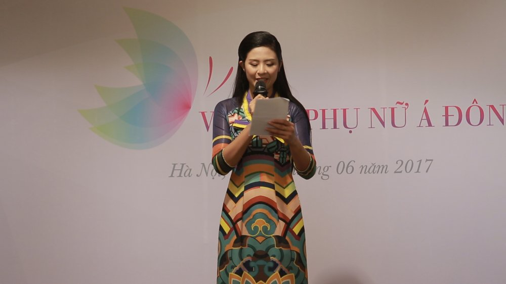 Khi Phan Hai 'Nguoi phan xu' ket hop voi ba Phuong 'Song chung voi me chong' hinh anh 2