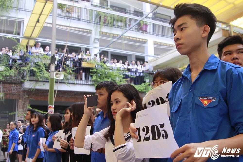 PGS Van Nhu Cuong - Nguoi thay dang kinh trong ky uc hoc tro Truong Luong The Vinh hinh anh 4
