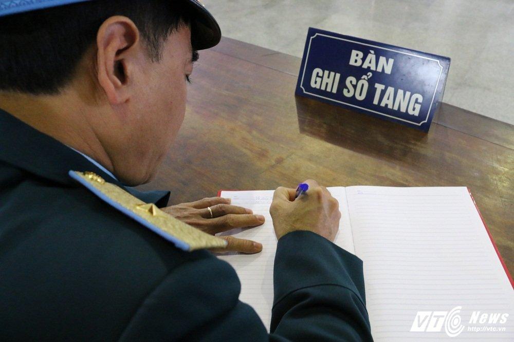 Xuc dong tien biet Thieu ta phi cong Nguyen Thanh Trung hinh anh 8