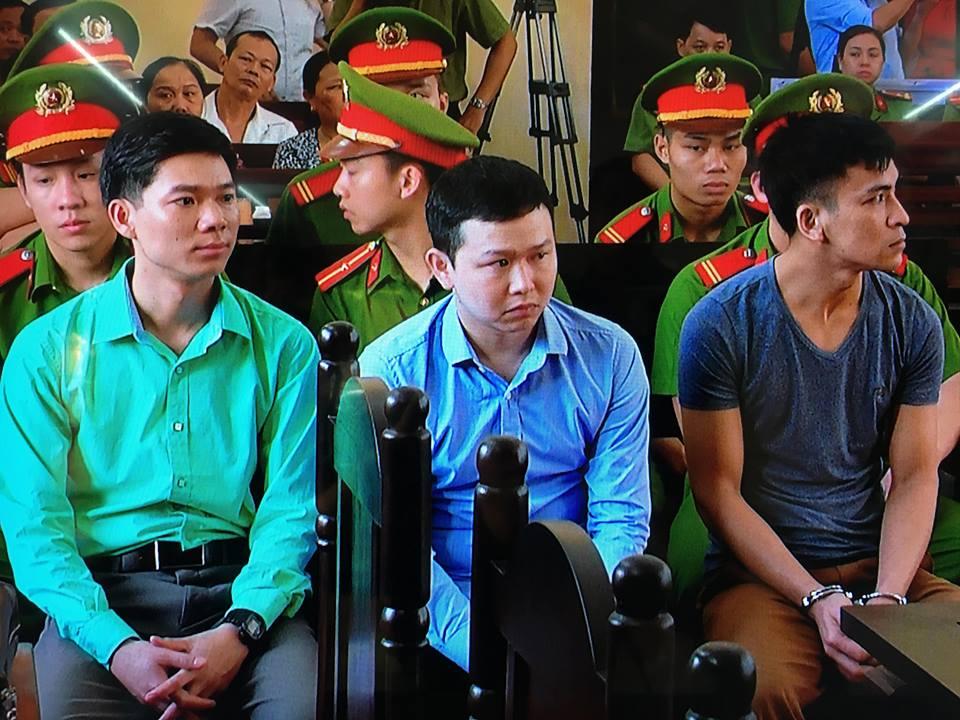 Nguyen Giam doc Benh vien Da khoa Hoa Binh xuat canh tranh mat phien toa: Lanh dao So Y te len tieng hinh anh 1
