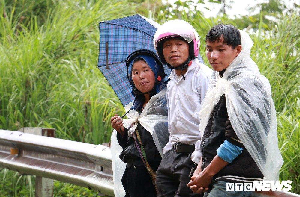 Anh: Sat lo khung khiep o Lai Chau, nguoi dan dam mua cho duoc ve nha hinh anh 6