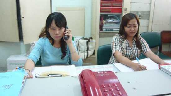 Thanh uy Ha Noi cong bo duong day nong hoat dong 24/24 hinh anh 1