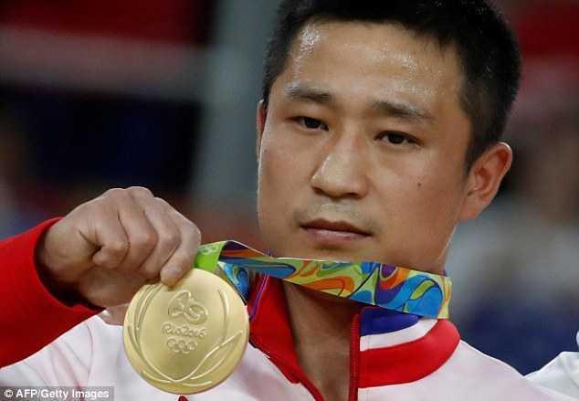 Noi niem phia sau 'man an mung HCV buon nhat Olympic' cua nha vo dich Trieu Tien hinh anh 1