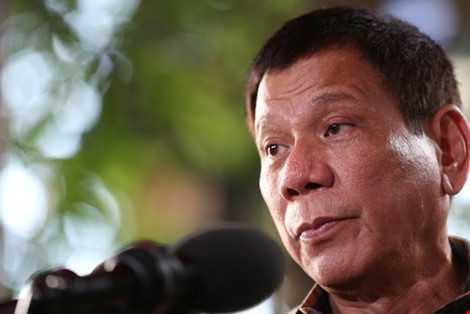 Thong diep ky la cua Tong thong Philippines voi Dai su Trung Quoc o nghia trang hinh anh 1