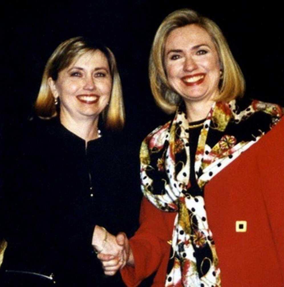 Ro nghi van ba Clinton dang dung nguoi dong the vi ly do suc khoe hinh anh 2
