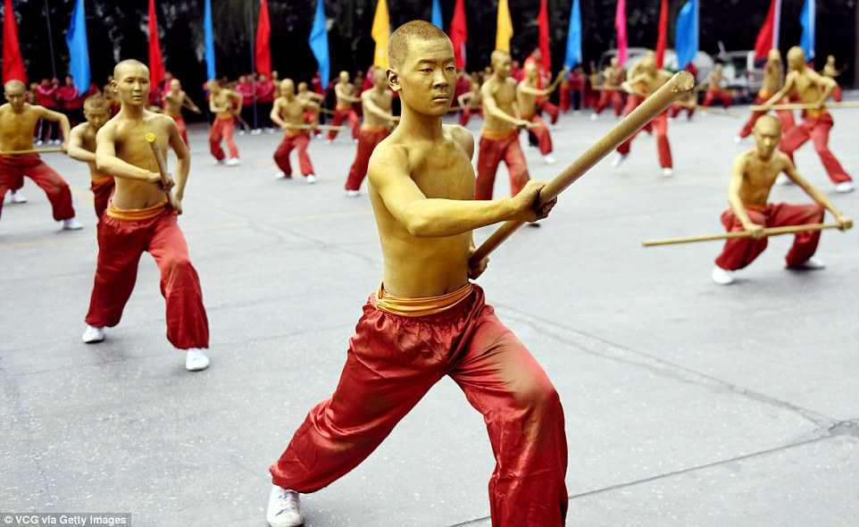 Man trinh dien an tuong cua 3 van vo sinh trong Dai hoi vo thuat Thieu Lam hinh anh 3