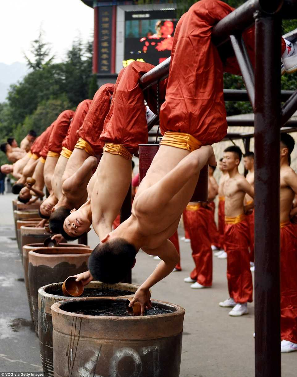 Man trinh dien an tuong cua 3 van vo sinh trong Dai hoi vo thuat Thieu Lam hinh anh 7
