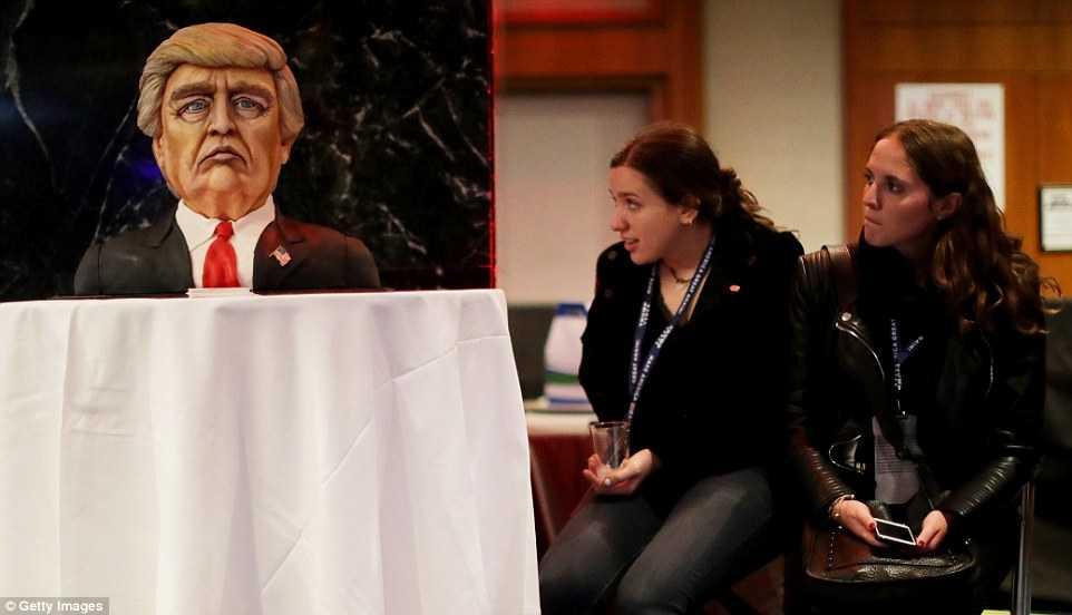 Can canh noi an mung chien thang cua Donald Trump hinh anh 2