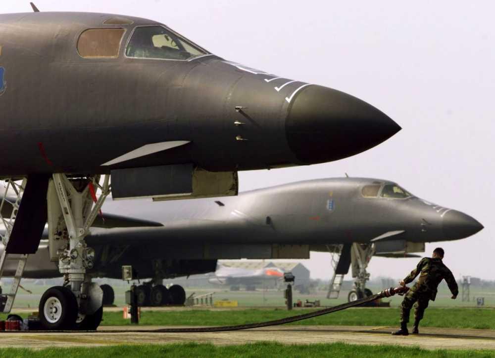 Bao My so sanh suc manh khi tai Nga - NATO hinh anh 14