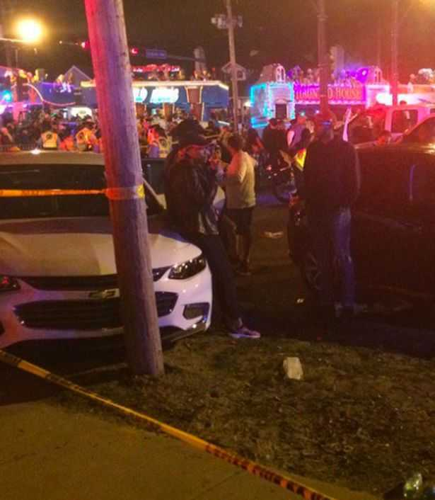 Many-injured-after-truck-ploughs-into-crowd-at-Mardi-Gras-in-New-Orleans (1)