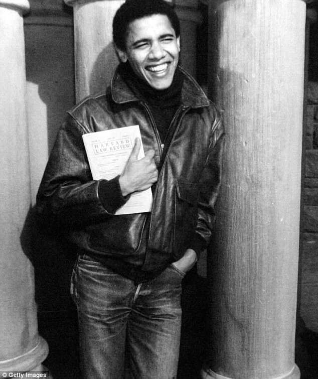 Tong thong Obama gay 'sot' khi an van nhu thoi sinh vien hinh anh 2