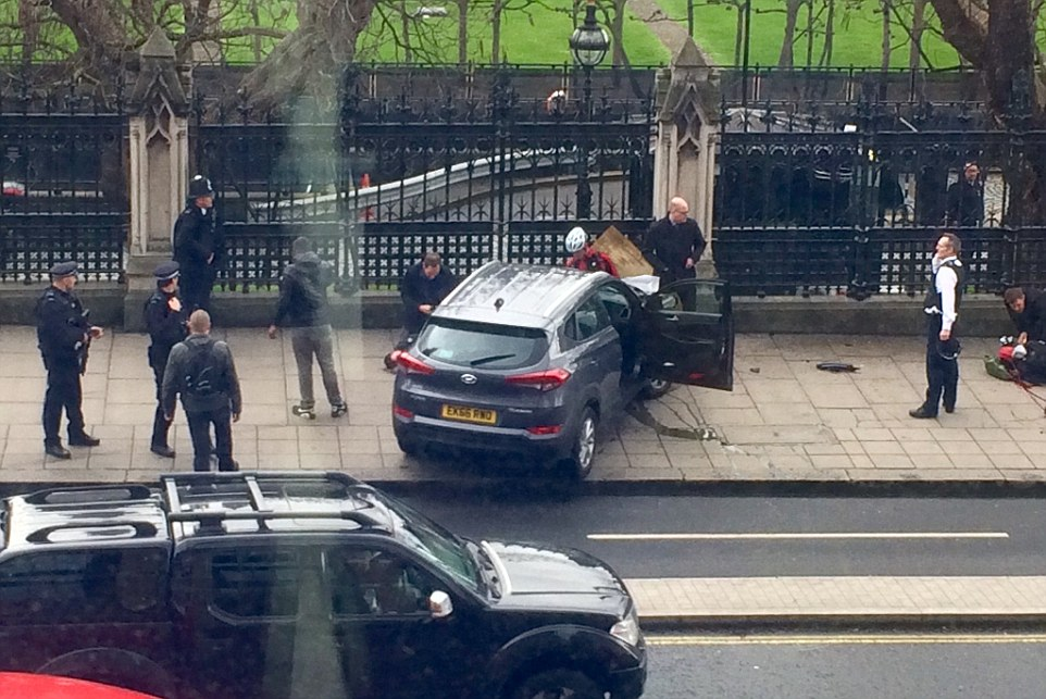 3E86A92900000578-4338998-Armed_Police_have_opened_fire_and_shot_a_person_outside_the_Hous-a-63_1490196071189