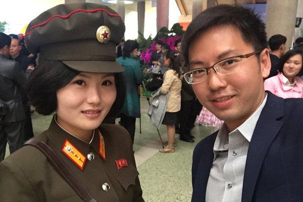Nu binh sy Trieu Tien xinh dep dang lam 'day song' mang xa hoi hinh anh 1