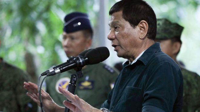 Tong thong Philippines phat ngon gay tranh cai ve hiep dam hinh anh 1