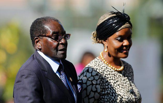 Ro tin quan doi lat do chinh quyen o Zimbabwe hinh anh 2