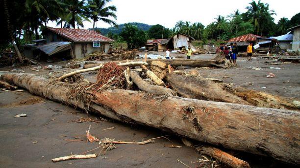 Philippines tan hoang sau bao Tembin: Ca ngoi lang bi xoa so, hon 200 nguoi thiet mang hinh anh 6