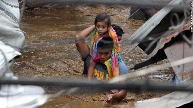 Philippines tan hoang sau bao Tembin: Ca ngoi lang bi xoa so, hon 200 nguoi thiet mang hinh anh 10