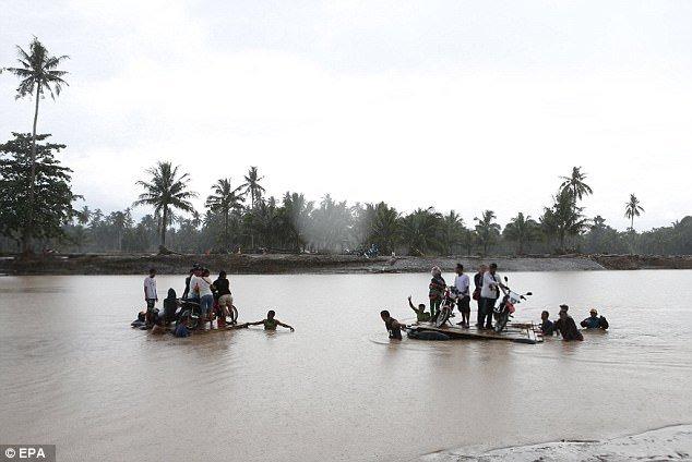 Philippines tan hoang sau bao Tembin: Ca ngoi lang bi xoa so, hon 200 nguoi thiet mang hinh anh 1