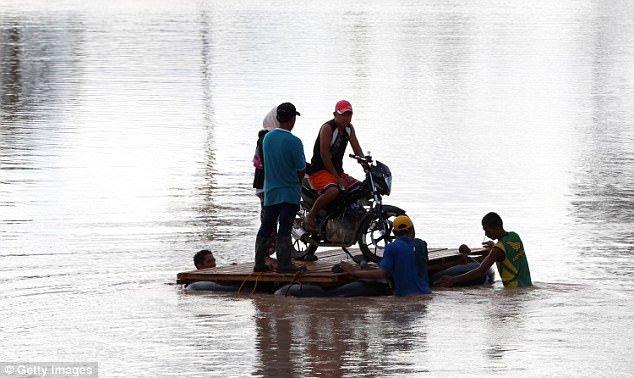 Philippines tan hoang sau bao Tembin: Ca ngoi lang bi xoa so, hon 200 nguoi thiet mang hinh anh 7
