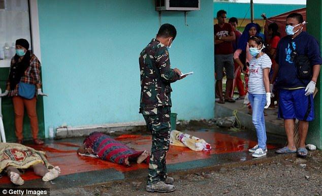 Philippines tan hoang sau bao Tembin: Ca ngoi lang bi xoa so, hon 200 nguoi thiet mang hinh anh 4