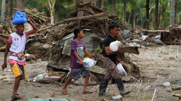 Philippines tan hoang sau bao Tembin: Ca ngoi lang bi xoa so, hon 200 nguoi thiet mang hinh anh 2