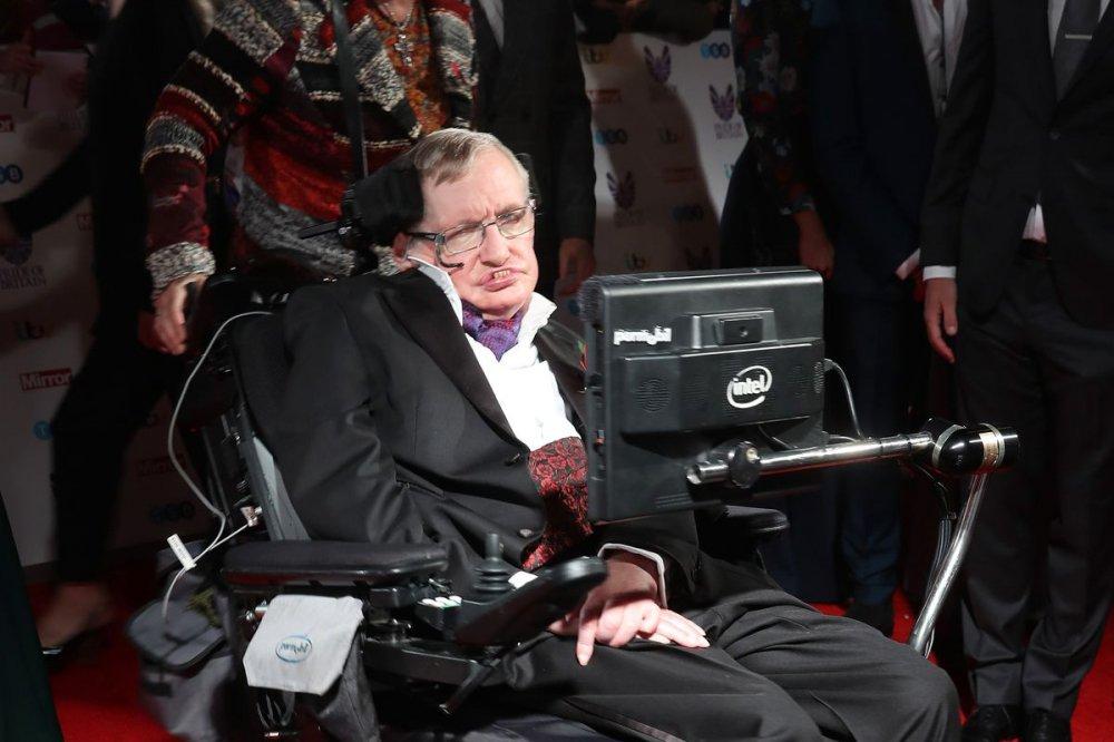 55 nam chong choi benh tat phi thuong cua nha vat ly thien tai Stephen Hawking hinh anh 7