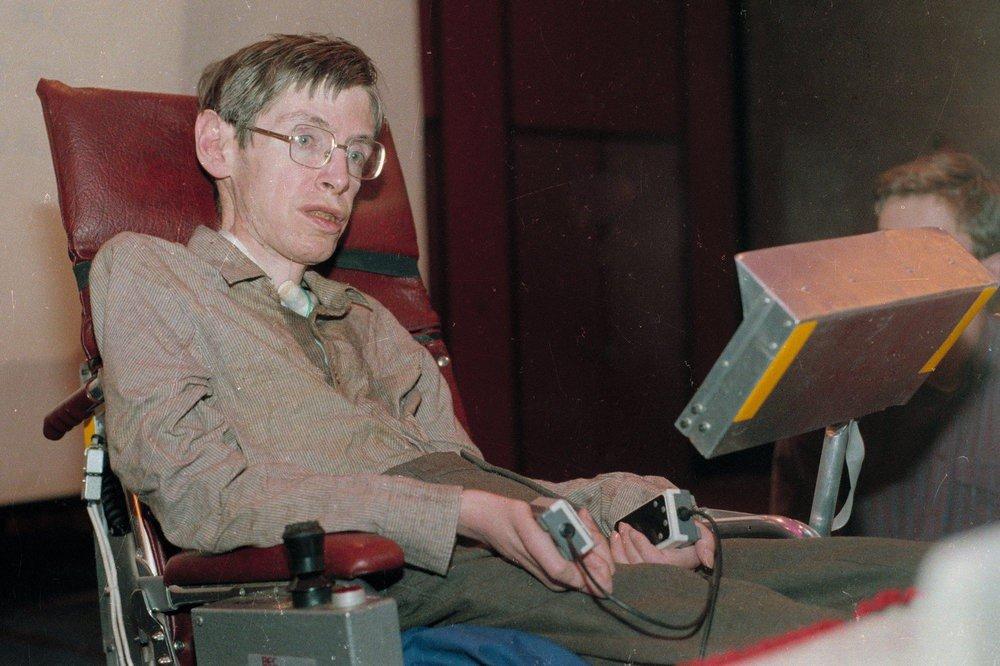 55 nam chong choi benh tat phi thuong cua nha vat ly thien tai Stephen Hawking hinh anh 3