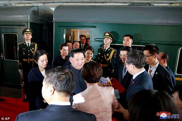 Anh hiem trong tau dua ong Kim Jong-un tham Trung Quoc hinh anh 4