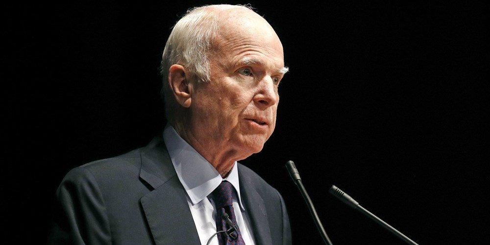 Thuong nghi sy John McCain khong muon Tong thong Trump toi du tang le cua minh hinh anh 1