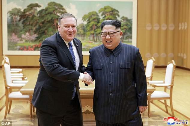 Trieu Tien cong bo hinh anh ong Kim Jong-un cuoi rang ro tiep Ngoai truong My hinh anh 1